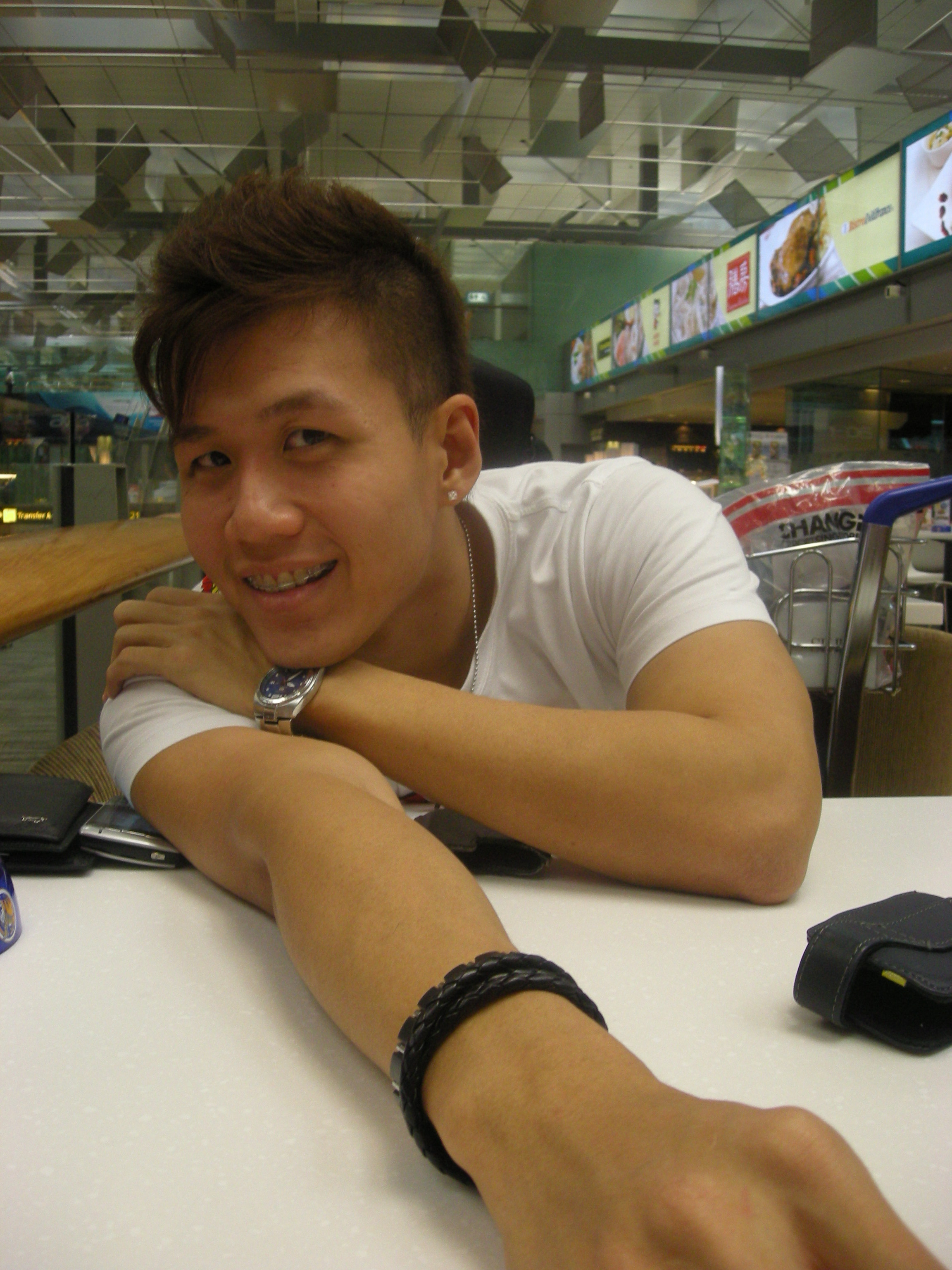 Me 2009 At Changi Airport